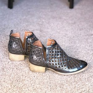 Jeffrey Campbell Taggart Pewter Ankle Bootie